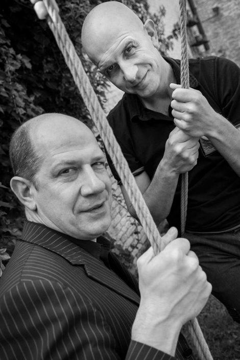 Zwart-wit foto van Nic en Tom Balthazar