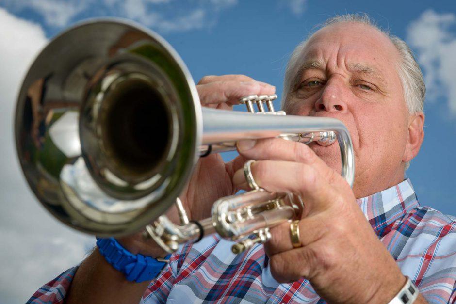 Kleurportret van trompetist Roel van de Ven